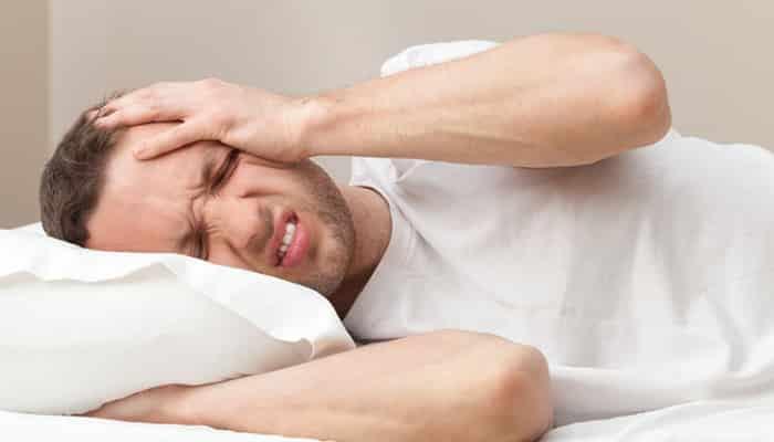 睡眠不足だと筋トレの効果が下がる